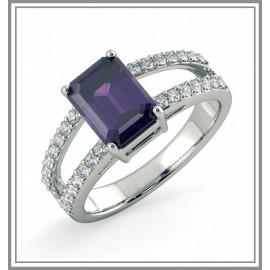 Amethyst And Diamond Ring In 18Kt White Gold